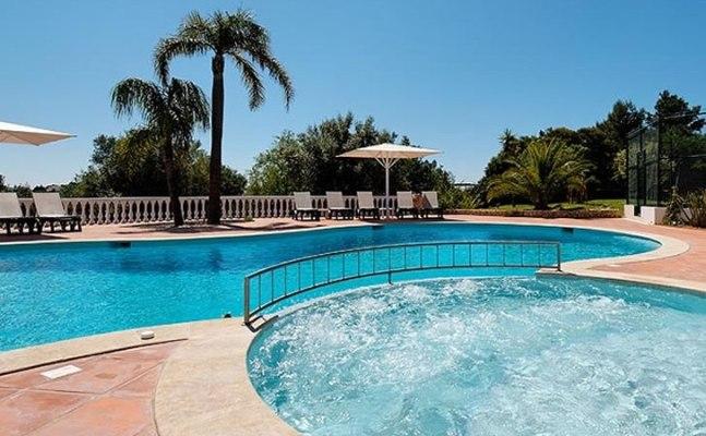 Casa Mouraria Pool
