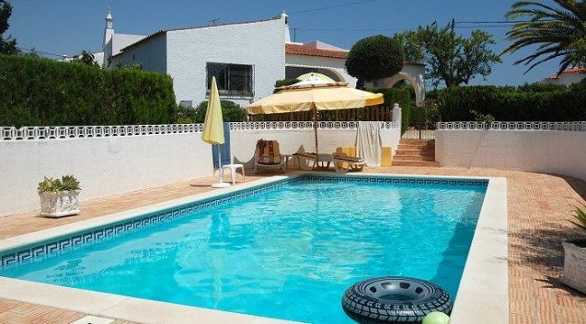 Carvoeiro Villas with Gated Pools