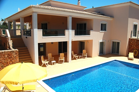 Casa Grande, Carvoeiro luxury villa with gated pool
