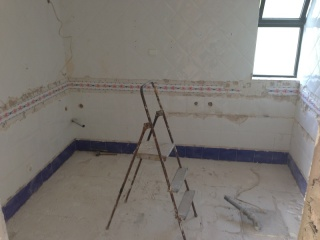 replace-old-villa-bathroom-carvoeiro